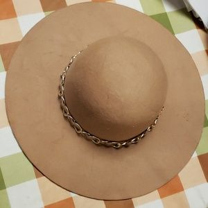 Women's Suede Hat with gold link chain